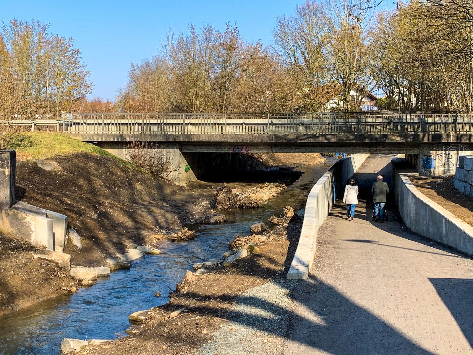 Tieferlegung Allachbachradweg unter der B8 1